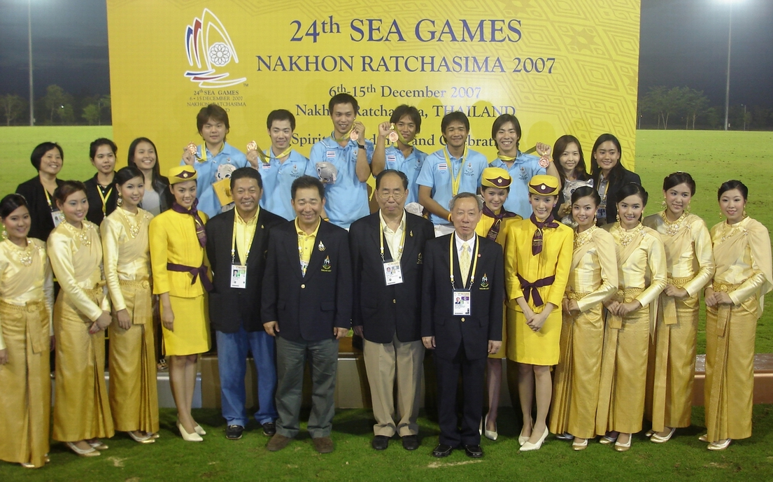 Thai Team -- Bronze Medal (with TPA committee members and the Vice Chairman of the Thailand Olympic Committee Khun Thamanoon Wanglee)