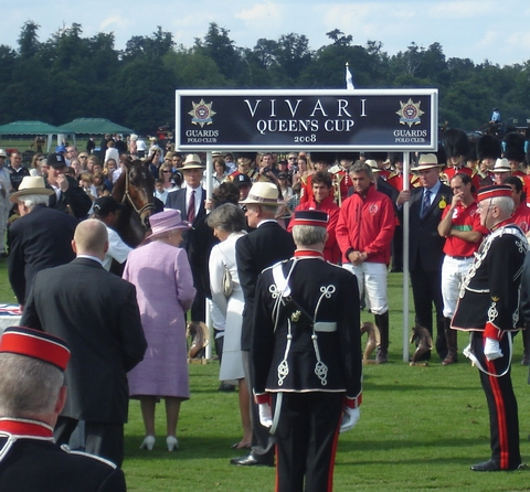 Her Majesty presenting her Cup to Ellerston on Smith's Lawn